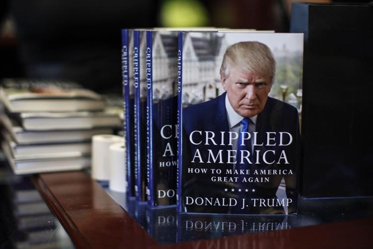 En couverture de l'ouvrage de quelque 200 pages,... (PHOTO AFP)