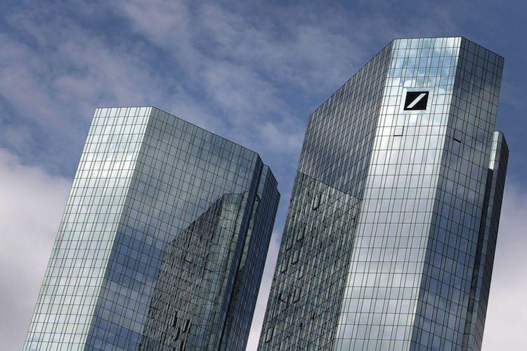 La banque allemande Deutsche Bank devra verser une... (PHOTO ARCHIVES AFP)