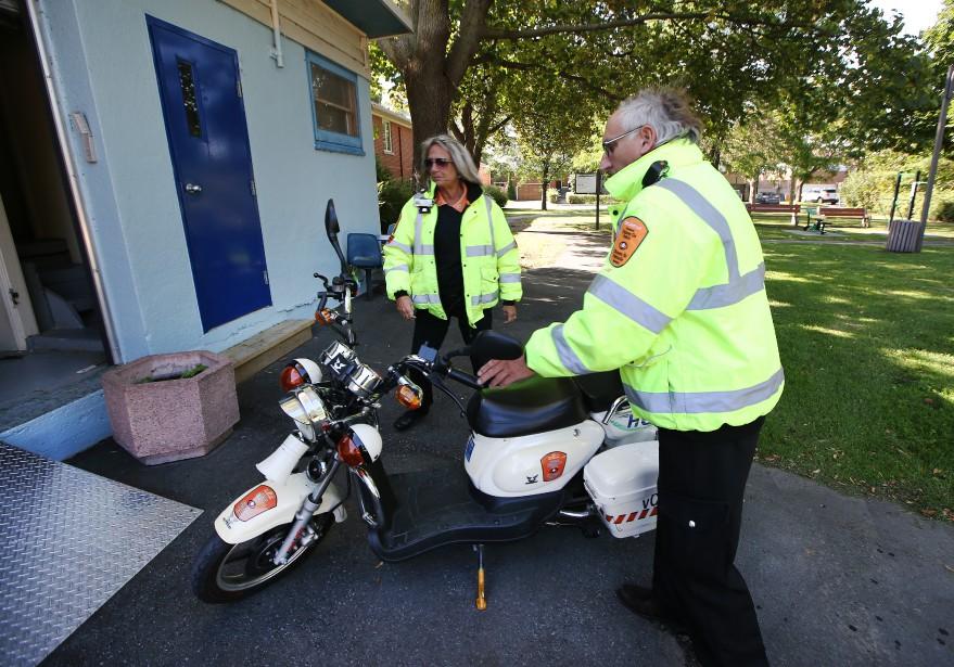 En plus des véhicules routiers, vCOP possède un parc de quatre scooters électriques et quatre vélos. (PHOTO MARTIN CHAMBERLAND, LA PRESSE)
