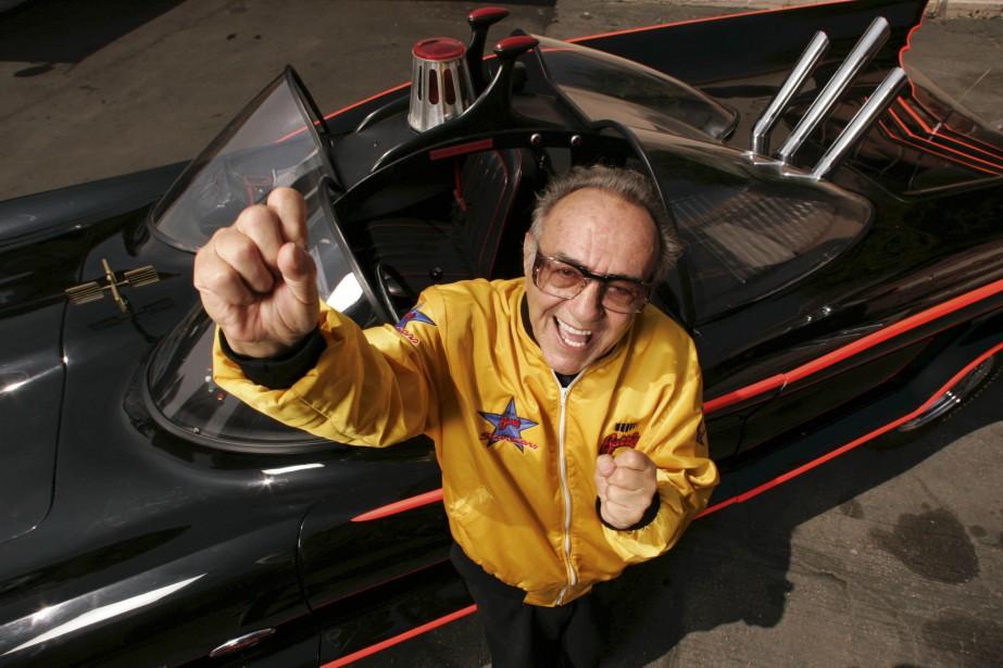 George Barris en 2005 devant la première batmobile.... (PHOTO ARCHIVES USA TODAY)
