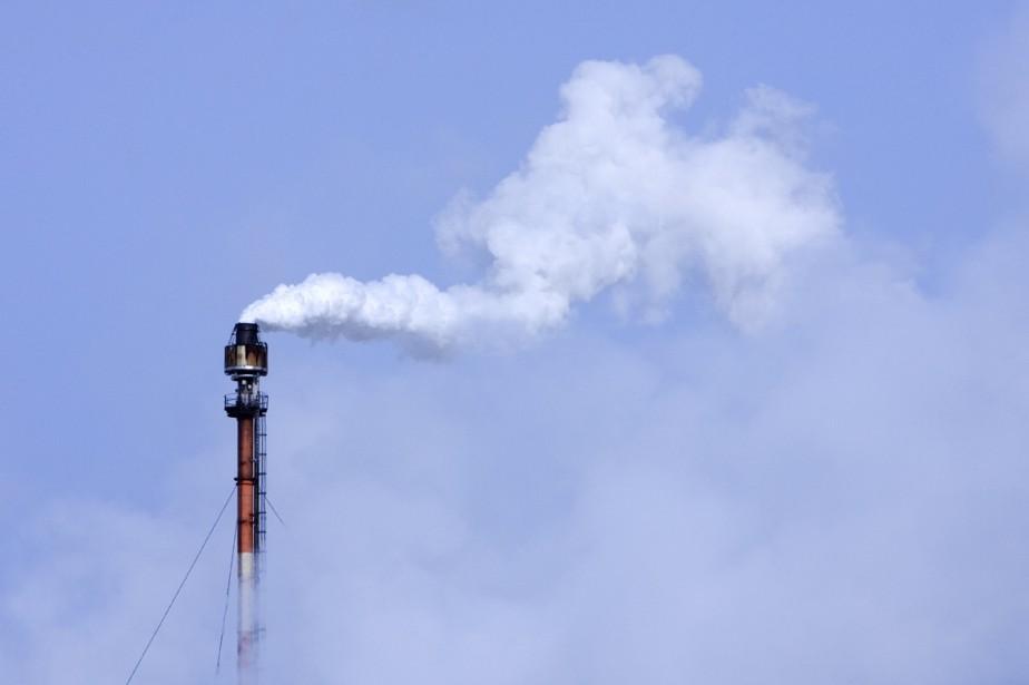 Pour limiter cette hausse à + 2°C, il... (PHOTO ALAIN ROBERGE, ARCHIVES AFP)