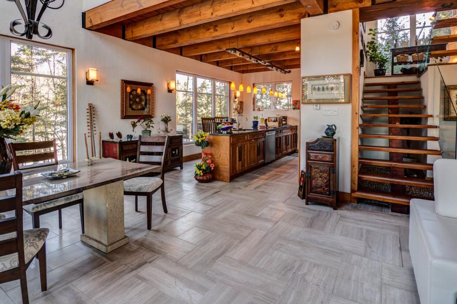 La résidence est chauffée par chauffage radiant hydronique (glycol). Un système de chauffage électrique est cependant utilisé à l'étage comme complément. (Courtoisie Édith Harvey)
