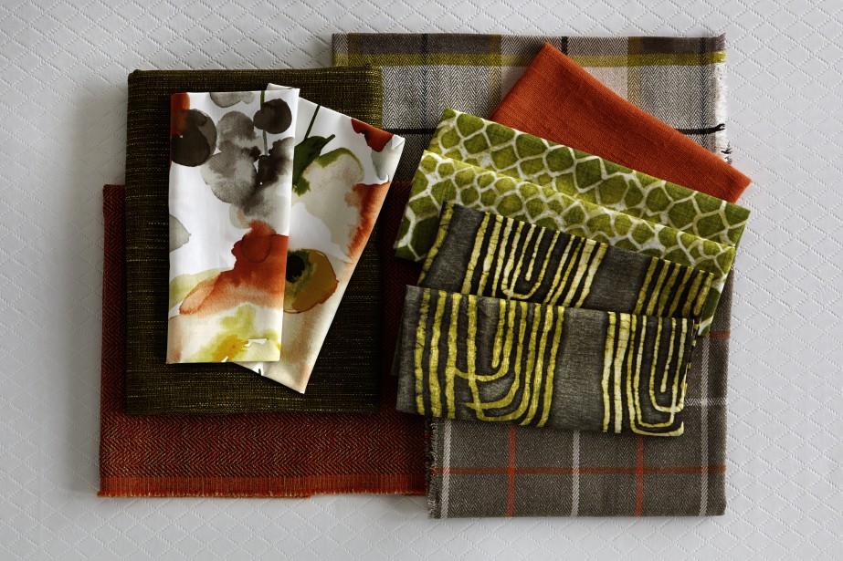 <span>Collection Woodstock<strong> - </strong>La collection Woodstock se définit par un look rétro rappelant les années 1960. Le velours et les tissus pelucheux, le papier peint et les murales, le cuir, les accents en métal argent, les fleurs audacieuses, les rayures, le pied-de-poule, les carreaux et les motifs géométriques sont les éléments clé de cette tendance.</span> (Fabricville)