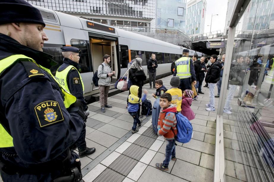 Peu après 12h (6h, heure de Montréal), des... (PHOTO AFP)