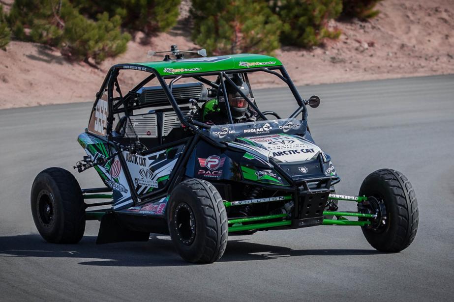 Grâce au format du rallycross, constitué de courses éliminatoires très courtes, les pilotes sont habités d'un réel sentiment d'urgence, ce qui peut les pousser à l'erreur. (Photo Éric Auclair, fournie par le CCRA)