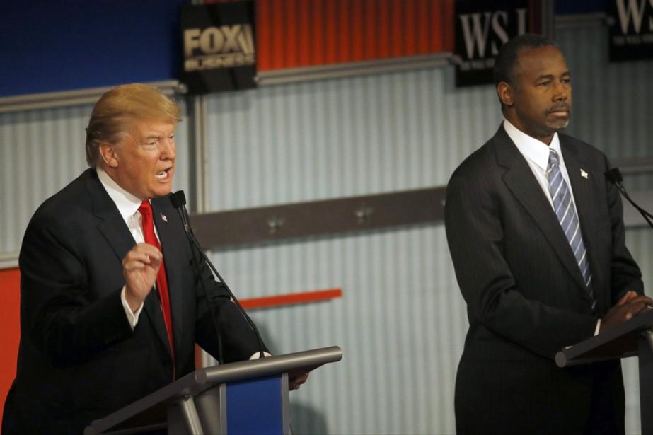 Donald Trump (à gauche) s'en prend de plus... (PHOTO MORRY GASH, ARCHIVES AP)