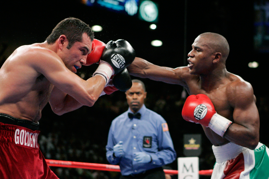 OscarDe La Hoya s'était incliné contre Floyd Mayweather... (Photo Steve Marcus, archives Reuters)