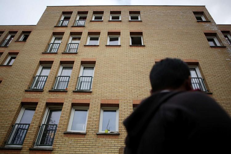 La police a perquisitionné hier dans le logement... (PHOTO AFP)