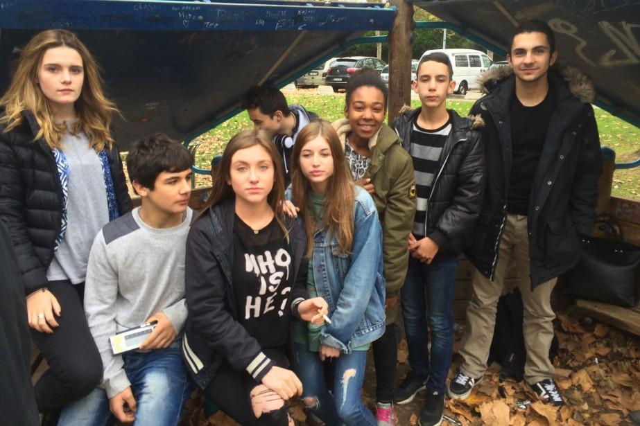 Des élèves du lycée Le Corbusier, à Poissy... (PHOTO LA PRESSE)