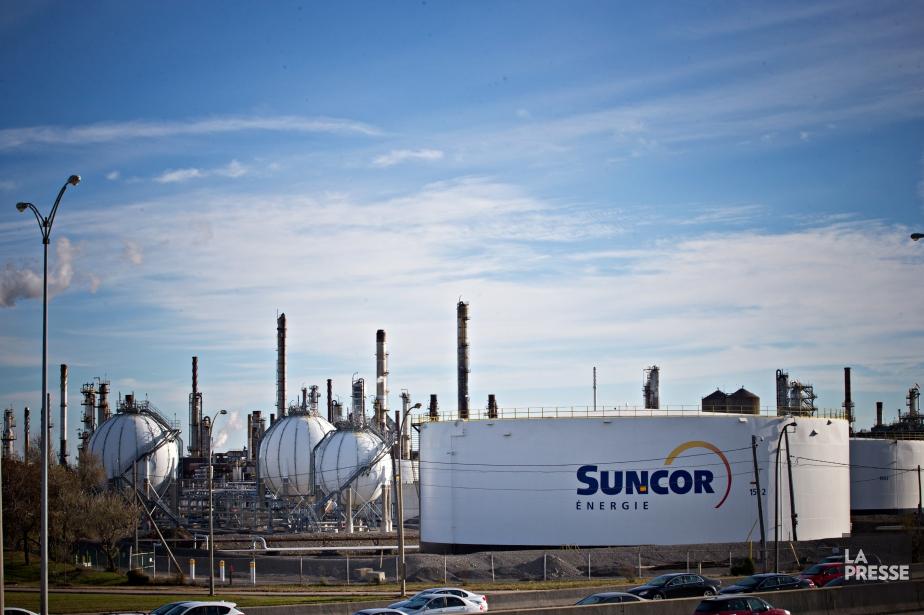 La raffinerie Suncor, dans l'est de Montréal.... (PHOTO PATRICK SANFAÇON, LA PRESSE)