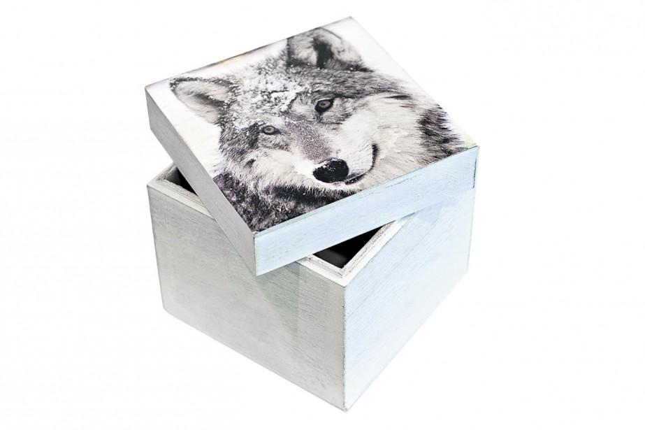 Boîte en bois avecun motif de loup, 12,99 $à la Coop Zone (Le Soleil, Patrice Laroche)