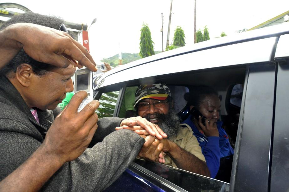 Filep Karma a été accueilli par les acclamations... (Photo Daffa MAHENDRA, AFP)