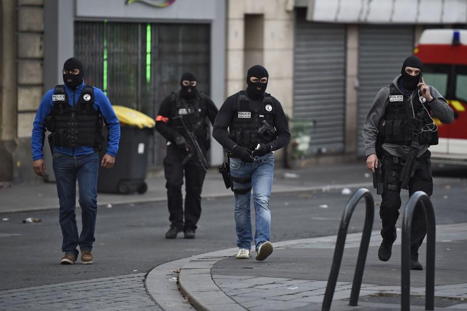 Le RAID, le commando de la police française... (PHOTOLIONEL BONAVENTURE, AGENCE FRANCE-PRESSE)