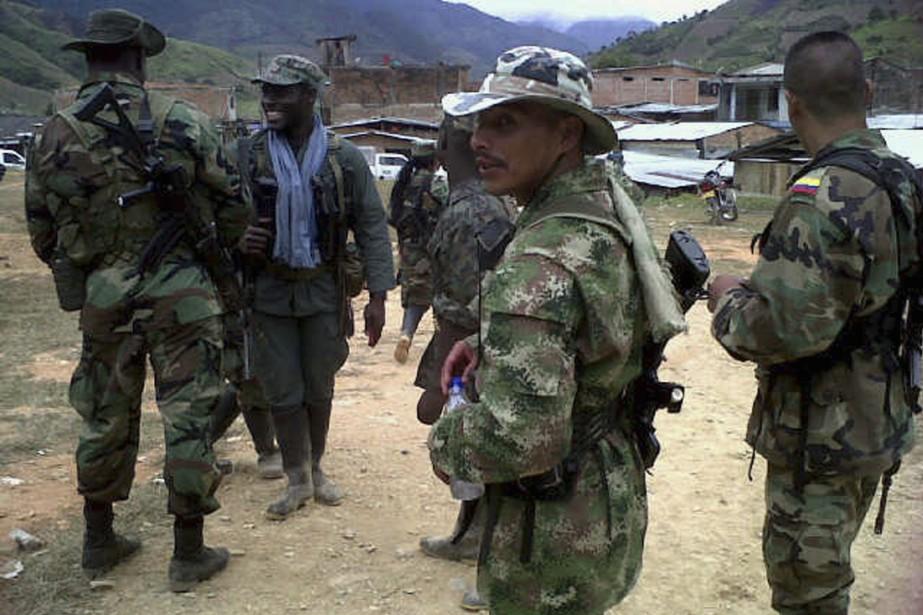 Des soldats membres des FARC.... (PHOTO ARCHIVES REUTERS)