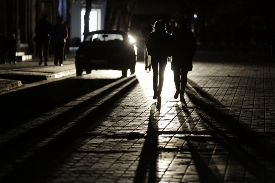 La Crimée est déjà confrontée depuis dimanche à... (PHOTO MAX VETROV, AFP)