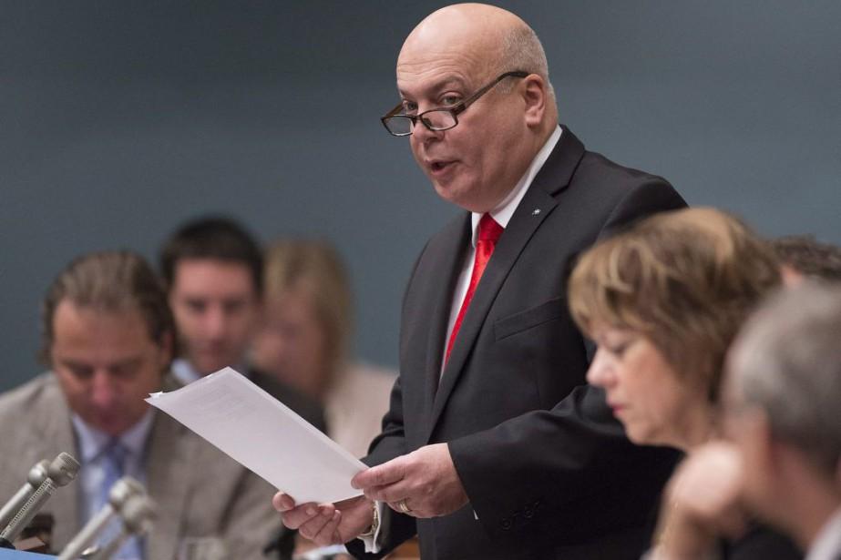 Le ministre des Transports Robert Poëti.... (PHOTO JACQUES BOISSINOT, ARCHIVES LA PRESSE CANADIENNE)