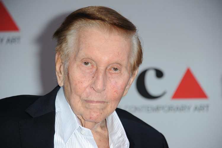 Sumner Redstone... (PHOTO AP)
