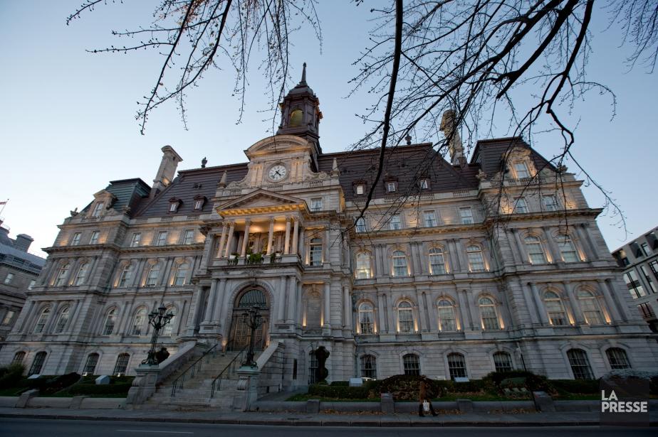 L'opposition à l'hôtel de ville de... (PHOTO DAVID BOILY, ARCHIVES LA PRESSE)