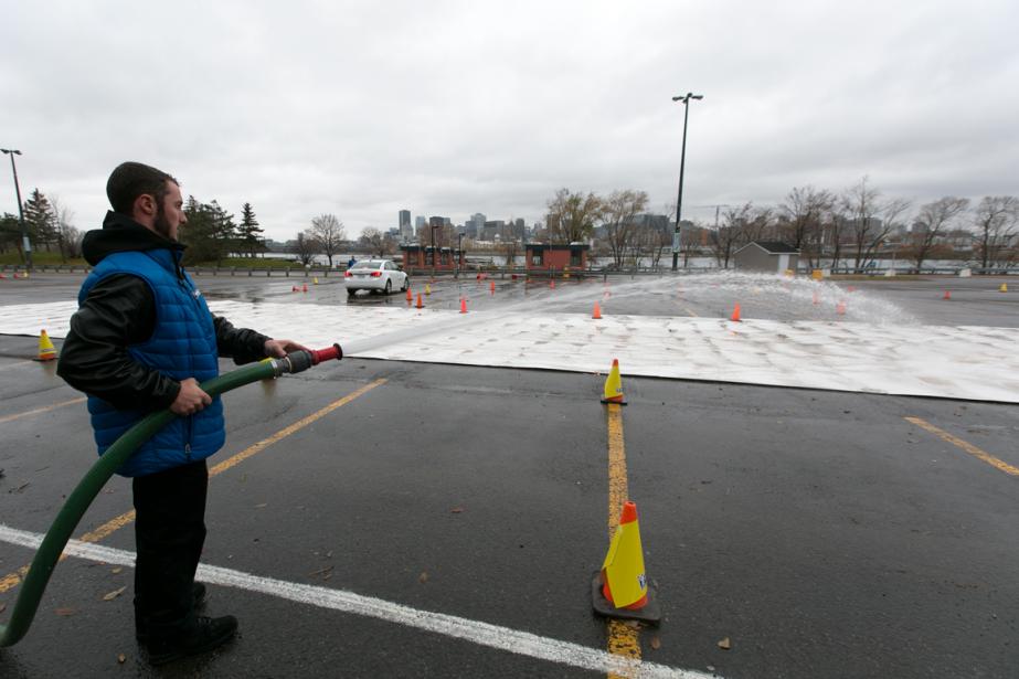 Une portion du circuit a volontairement été glacée à l'aide de tuyaux afin de reproduire certaines des conditions hivernales les plus complexes. (Photo François Roy, La Presse)