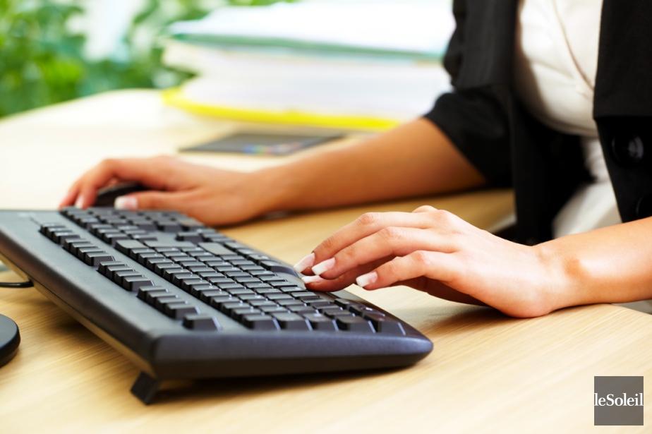 Travailler de longues heures de travail semble... (Photo archives Le Soleil)