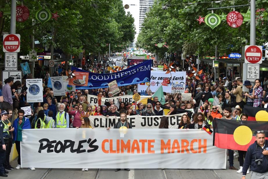 Plusieurs dizaines de milliers de personnes ont défilé... (Photo Paul Crock, AFP)