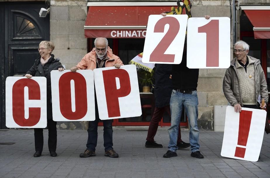 Chaîne humaine à Nantes (France) (AFP, Jean-Sébastien Évrard)