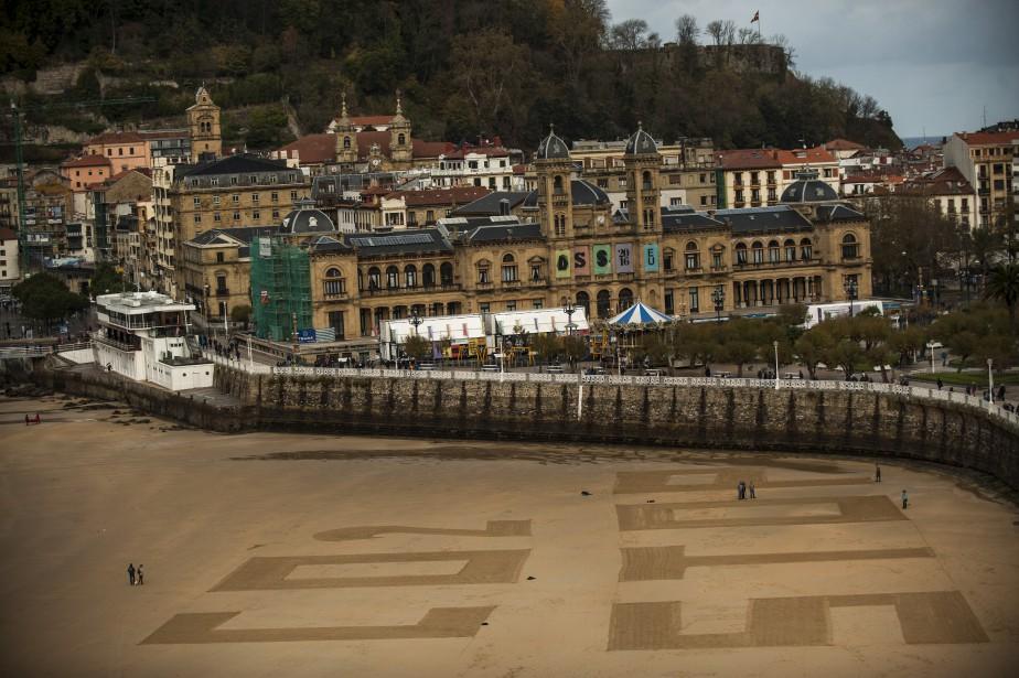 Sur la plage de La Concha à San Sebastian (Espagne) (AP, Alvaro Barrientos)