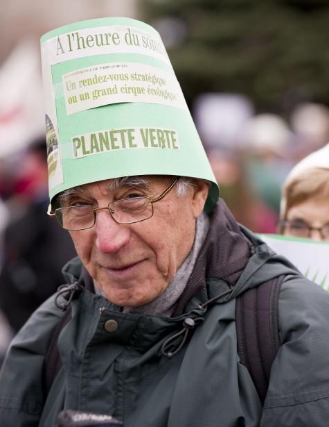 Des milliers de manifestants ont envahi les rues d'Ottawa pour réclamer un accord sur le climat. (Martin Roy, LeDroit)