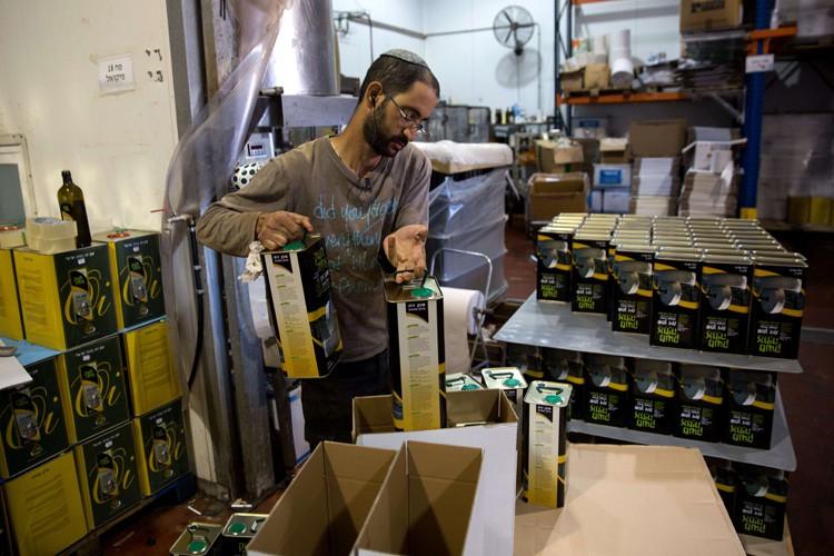 Les marchandises concernées par l'étiquetage, en majorité des... (PHOTO AFP)
