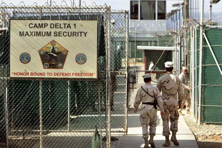 Cent sept prisonniers se trouvent aujourd'hui encore dans... (PHOTO archives AP)