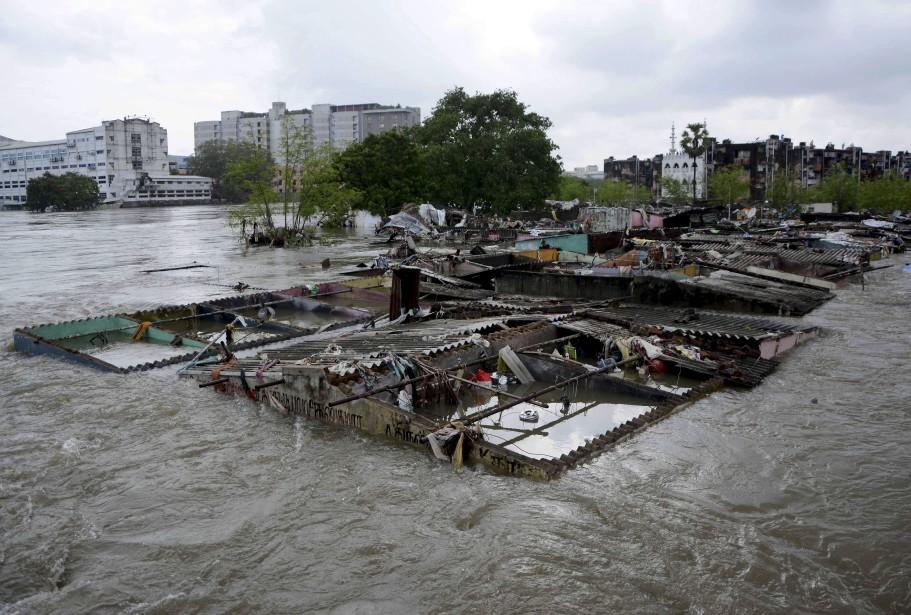 La capitale de l'État, Chennai, a reçu près de 35 centimètres d'eau en 24 heures. (AFP)