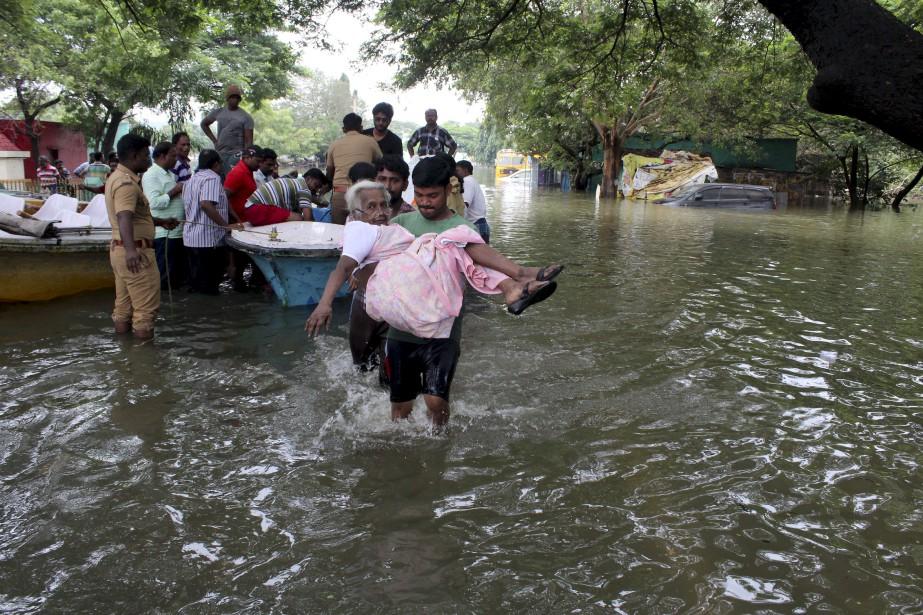 Les météorologues indiens prédisent d'autres précipitations au cours des prochains jours. (AP)