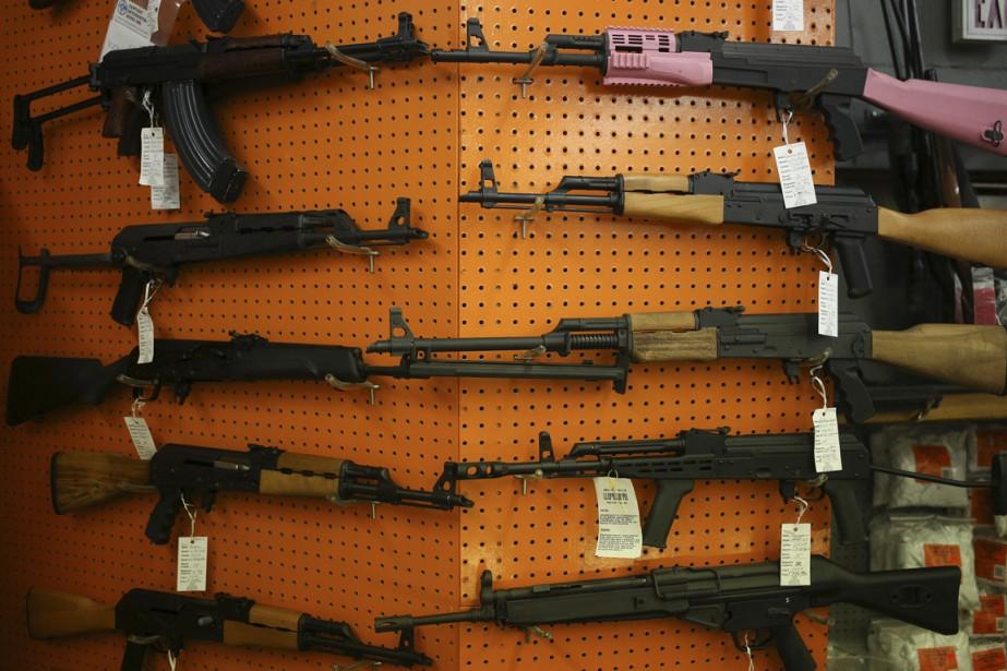 Les armes de poing sont les revolvers et... (Photo Luke Sharrett, Bloomberg)