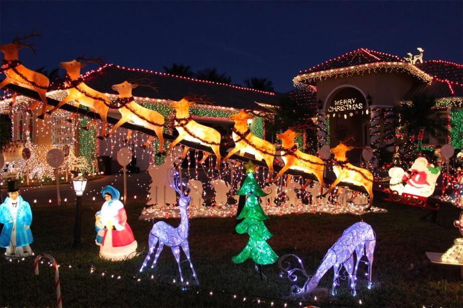 La famille Hyatt installe chaque année, pendant un... (PHOTO TIRÉE DE WWW.HYATTEXTREMECHRISTMAS.COM)
