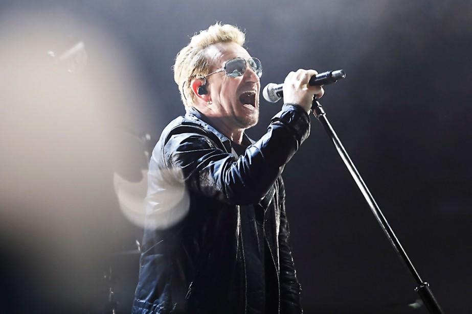 Bono lors d'un spectacle de U2.... (archives AFP, Thomas Samson)