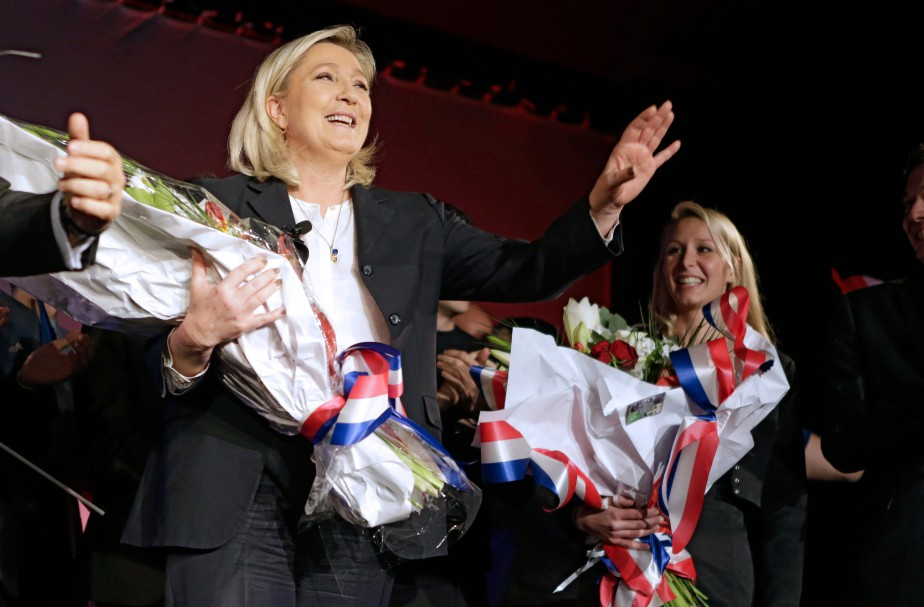 Marine Le Pen (à gauche) et Marion Maréchal-Le... (PHOTO LIONEL CIRONNEAU, ARCHIVES ASSOCIATED PRESS)