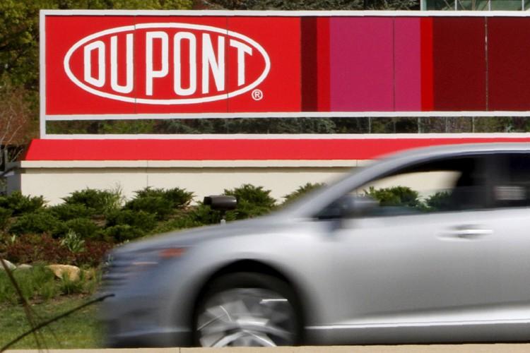 Les chimistes américains Dow Chemical et DuPont veulent... (PHOTO REUTERS)