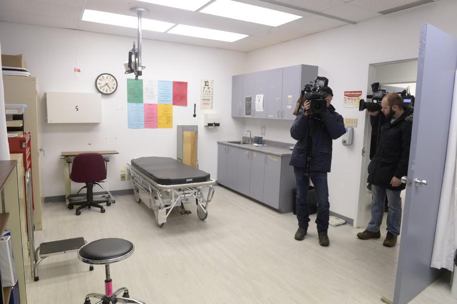 Une salle pour les examens médicaux (Le Soleil, Jean-Marie Villeneuve)