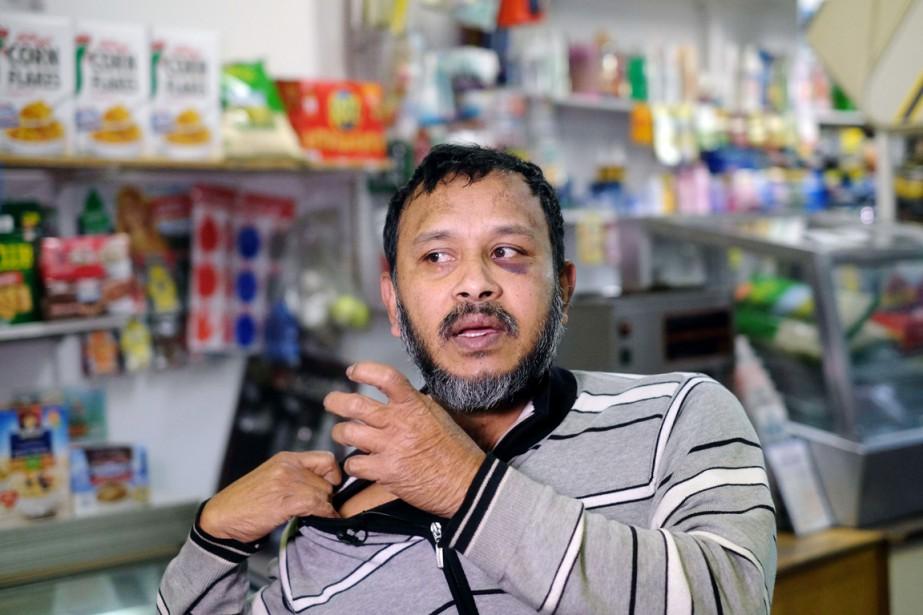 Un commerçant new-yorkais, Sarker Haque, a été brutalisé... (PHOTO JEWEL SAMAD, AFP)