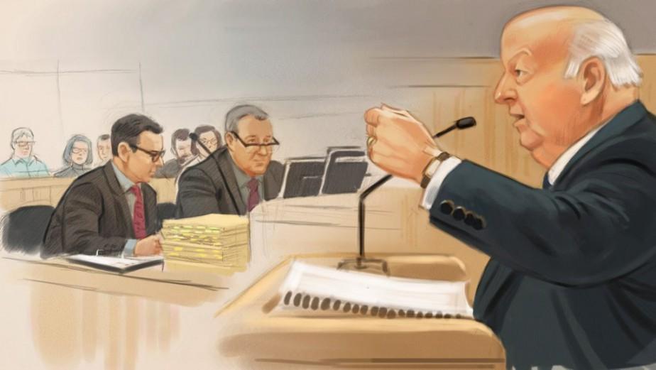 L'ancien sénateur Mike Duffy à droite, s'exprime devant... (Illustration Greg Banning, PC)