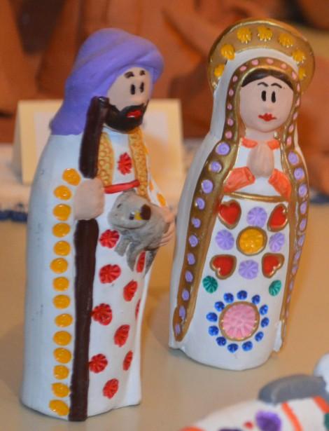 En 1989, 18 crèches avaient été exposées à l'église. Aujourd'hui, la Corporation possède une collection de 1000 oeuvres, venant des quatre coins du monde. Cette année, 300 crèches ont été choisies pour cette 27e exposition. (Photo Le Progrès-Dimanche, Patricia Rainville)
