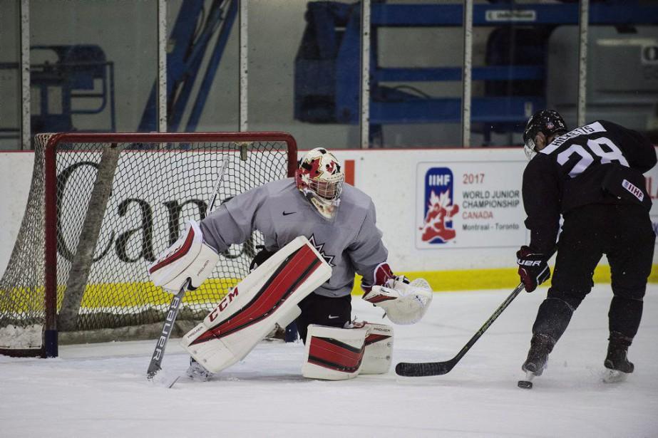 Samuel Montembeault et Brandon Hicketts à l'entraînement.... (PHOTO AARON VINCENT ELKAIM, PC)