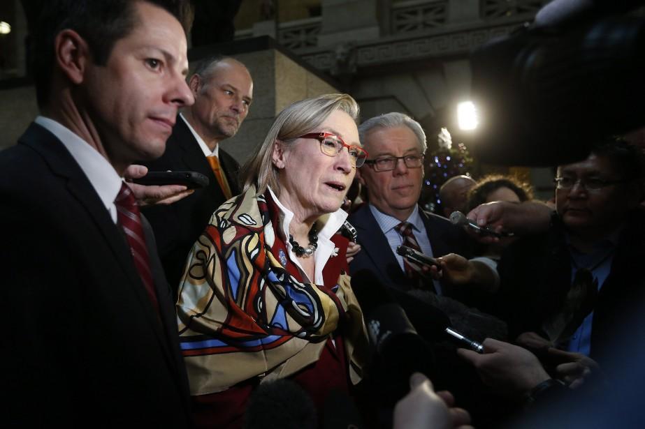 La ministre des Affaires autochtones, Carolyn Bennett... (Photo John Woods, La Presse Canadienne)