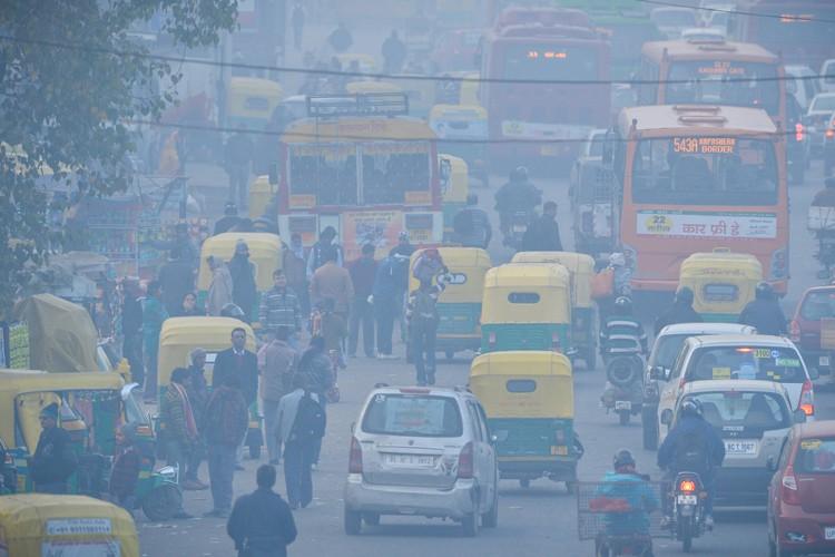 New Delhi est plongée depuis quelques semaines dans... (PHOTO AFP)