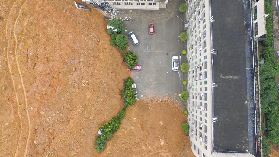 Un énorme glissement de terrain a fait 85 disparus à Shenzhen, une ville industrieuse du sud de la Chine aux portes de Hong Kong, où les sauveteurs s'affairaient lundi pour tenter de dégager des survivants. (AFP)