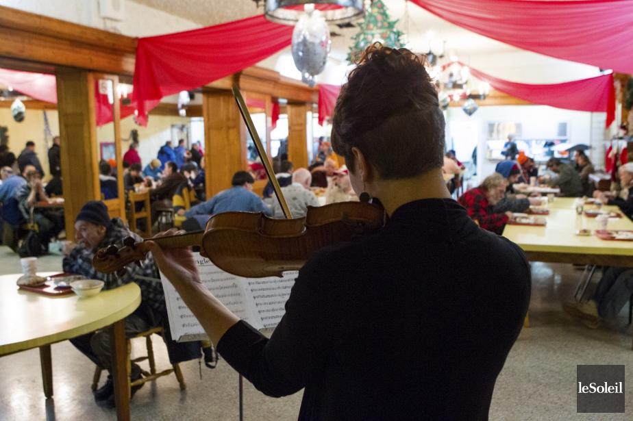 Au Québec : Des maisons qui viennent en aide aux sans-abri et démunis - Page 3 1110960-violoniste-claude-amar-presente-pour