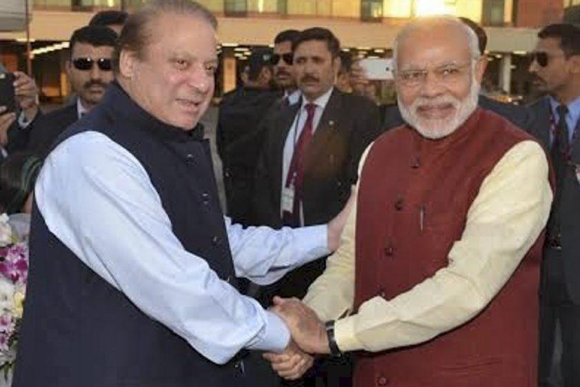 Le premier ministre pakistanais Nawaz Sharif (à gauche)... (PHOTO REUTERS)