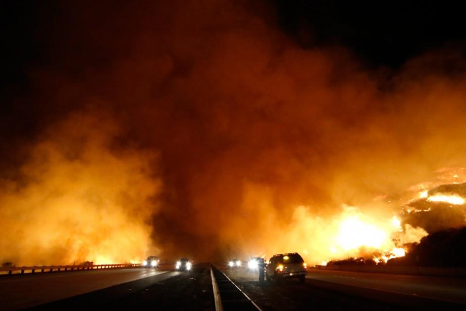 Les incendies de forêt font rages en Californie.... (PHOTO GENE BLEVINS, REUTERS)