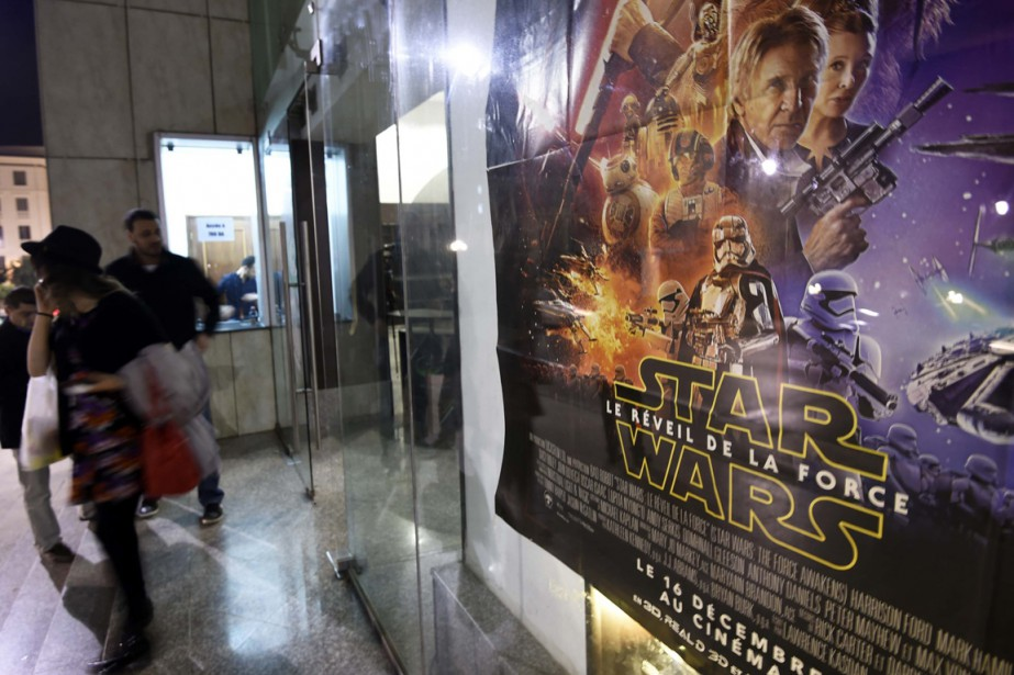 Le film Star Wars: The Force Awakens, à... (Photo FAROUK BATICHE, AFP)