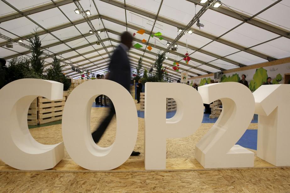 L'accord signé lors de la COP21 à Paris... (PHOTO AFP)